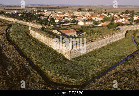 Built between 1630 and 1640, under the orders of Richelieu, Brouage Citadel is a splendid example of military architecture. - Stock Photo