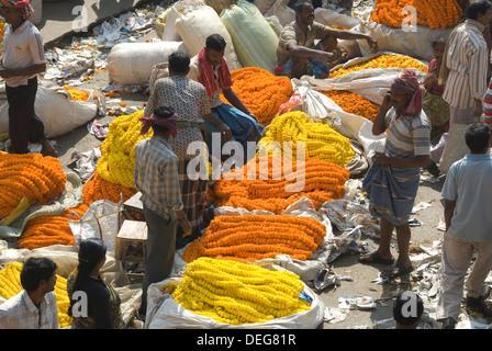 Armenia Ghat flower market, Kolkata (Calcutta), West Bengal, India, Asia - Stock Photo