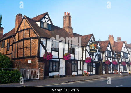 Kings Arms pub in Amersham, featured in the film 'Four Weddings and a Funeral'. - Stock Photo