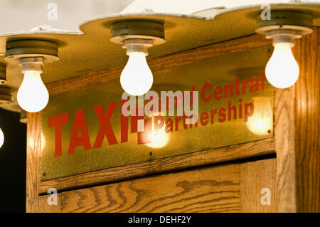 Taxi cabs stop at Grand Central station, Manhattan, New York, USA, 2008 - Stock Photo