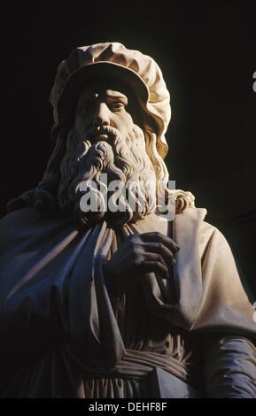 Leonardo da Vinci statue. Florence. Italy. - Stock Photo