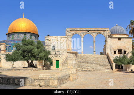 Famous Dome of the Rock mosque on Mount Temple in Old City of Jerusalem, Israel. - Stock Photo