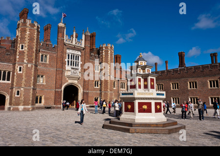 Recreation of Henry VIII wine fountain in Base Court at Hampton Court Palace, London, England, GB, UK - Stock Photo