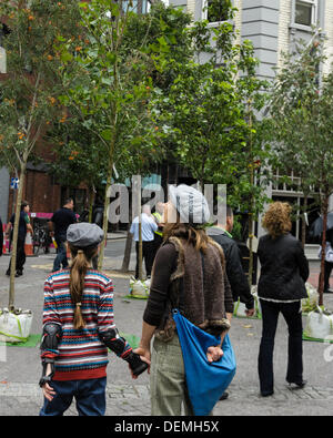 London, UK. 21st September 2013. Pop-up Forest Arrives in Seven Dials for International Car Free Day . Cars and - Stock Photo