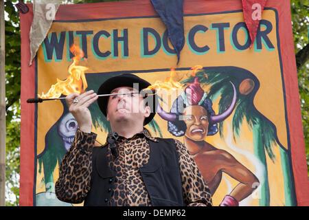 Port Sunlight, Wirral, UK.  21st September, 2013. Doctor Diablo, children's entertainer at Port Sunlight Village - Stock Photo