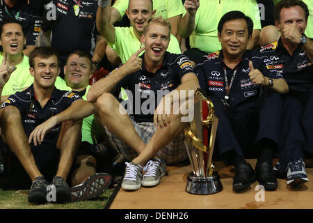 Singapore. 22nd Sep, 2013. Sebastian Vettel (GER), Infiniti Red Bull Racing celebrates with his team after winning - Stock Photo