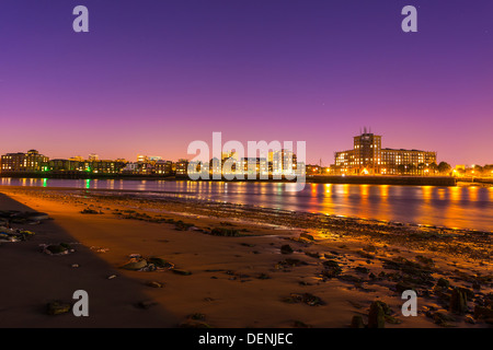 looking north to wapping on river thames at low tide, london,england,uk,europe - Stock Photo
