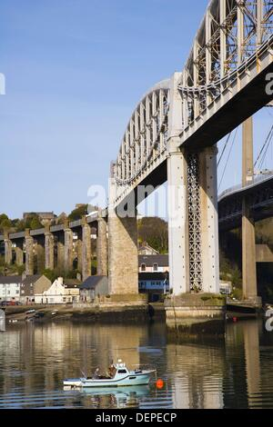 Royal Albert Bridge over River Tamar between Saltash (Cornwall) and Plymouth (Devon), England, UK - Stock Photo