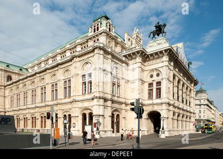 Österreich, Wien, Wiener Staatsoper - Stock Photo
