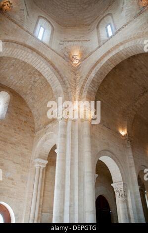 San Martín church, indoor view. Frómista, Palencia province, Castilla León, Spain. - Stock Photo