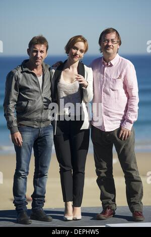 San Sebastian, Spain. 23rd Sep, 2013. Director Manuel Martin Cuenca, Actor Antonio de la torre and Romanian Actress - Stock Photo