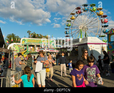 Bellmore, New York, U.S. 22nd September 2013. Carnival rides, including the ferris wheel, were at the 27th Annual - Stock Photo