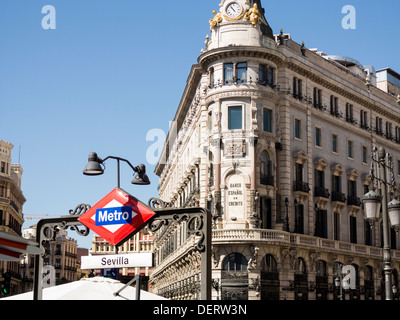 Ornate old branch of Banesto located in the heart of Madrid near Plaza Puerto del Sol. - Stock Photo
