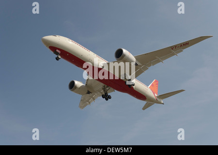 Air India Boeing 787 Dreamliner on final approach - Stock Photo