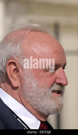 Brighton, UK. 24th Sep, 2013. Labour Party Conference, Brighton, England. 24/09/2013. Frank Dobson MP - Stock Photo