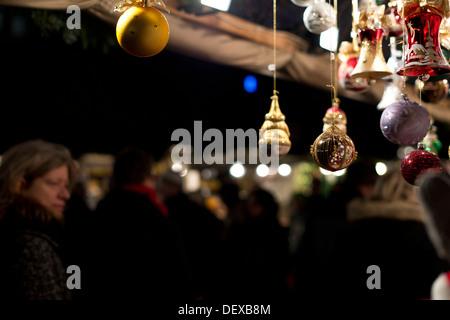 Famous Christmas market in Nuremberg in the evening. Auf dem Nürnberger Christkindlmarkt - Stock Photo