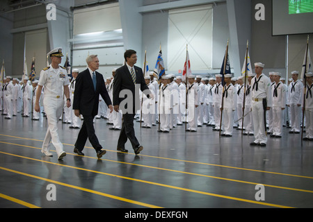 Secretary of the Navy (SECNAV) Ray Mabus, center, Capt. John Dye, left, and U.S. Congressman Brad Schneider, right, - Stock Photo