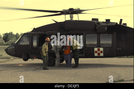 U.S. Soldiers with Charlie Company, 5-159th General Aviation Support Regiment, Wyoming Army National Guard, crew - Stock Photo
