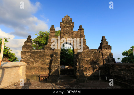 Bali, Bukit Peninsula, Uluwatu, Pura Luhur Uluwatu Temple at dawn, one of the most important directional temples - Stock Photo