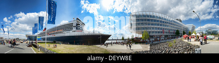 Cruise ship queen Mary 2 in the cruise terminal in the harbour city of Hamburg, Germany, Europe, Kreuzfahrtschiff - Stock Photo
