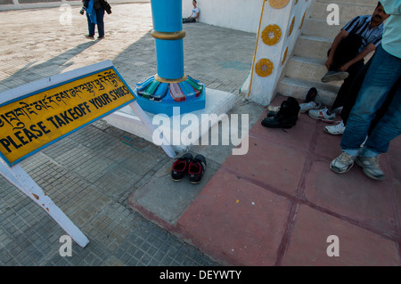 India, Jammu & Kashmir, Ladakh, Leh, capital of Ladakh, 'Please Take Off Your Shoes' sign at Spituk Monastery - Stock Photo