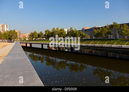 Puente Oblicuo bridge in Madrid Rio, an ecological development, in Madrid, Spain, Europe - Stock Photo