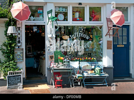 Antiek en vintage - Antique and vintage Prinsengracht Juffrouw Splinter Amsterdam Netherlands Jordaan - Stock Photo