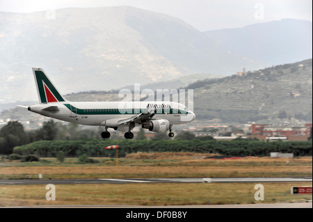 EI-IMC, Alitalia Airbus A319-112 during landing, Florence Airport, Tuscany, Italy, Europe - Stock Photo