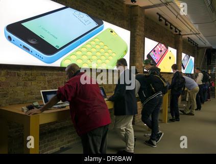 Apple Store Covent Garden - London - Stock Photo