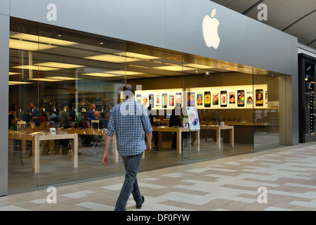 Apple store in Square one mall Mississauga, Ontario, Canada - Stock Photo