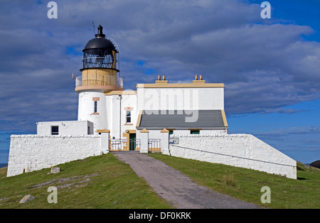 Stoer Head Lighthouse, on the Stoer peninsula near Point of Stoer. by Lochinver, Assynt, Sutherland, Highlands, - Stock Photo