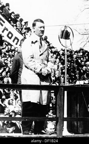 The image from the Nazi Propaganda! shows Adolf Hitler delivering a speech in Dresden in 1932. Photo: Berliner Verlag/Archiv - Stock Photo
