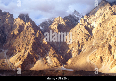 Mountain scenery near Passu. Hunza Valley. North Pakistan - Stock Photo