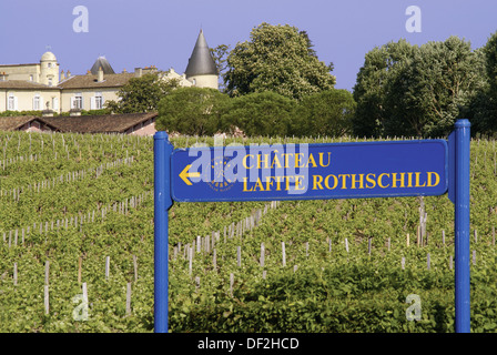 ´Château Lafite Rotschild´, one of the greatest wine in the world, in the Médoc. in the Bordeaux wines district. - Stock Photo