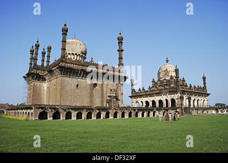 Ibrahim Rauza tomb and mosque of Ibrahim Adil Shah II (1580-1627), the greatest of the Adil Shahi rulers, Bijapur, - Stock Photo