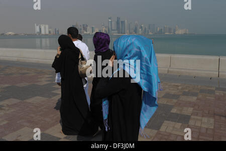 (dpai-file) A file picture dated 06 January 2011 shows a group of local women walking on the harbour promenade in - Stock Photo