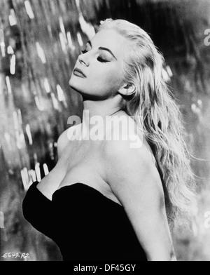 Anita Ekberg, on-set of the Film, 'La Dolce Vita', Riama Film, Pathe Consortium Cinema, 1960 - Stock Photo