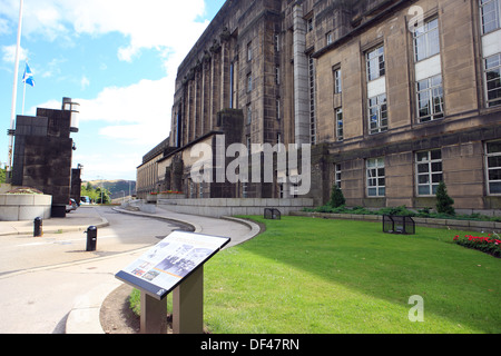 Art Deco styled St Andrew's House, the headquarter building of the Scottish Government in Edinburgh - Stock Photo