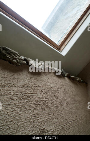 Llanwrda, Wales UK Fri 27th Sept 2013. Close-up detail of the first thick layer of lime hemp plaster on an interior - Stock Photo