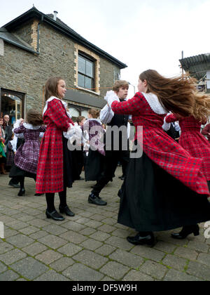 Llandovery, Wales, UK. Sat 28th Sept 2013.  Children from Menter Bro Dinefwr perform traditional Welsh folk dances - Stock Photo