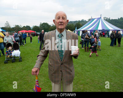 Llandovery, Wales, UK. Sat 28th Sept 2013.  Retired Physicist Edgar Jones wears a sheep dog trials tie in Castle - Stock Photo