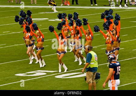 Denver Broncos Cheerleaders, Denver Broncos vs. Pittsburgh Steelers NFL football game, Invesco Field at Mile High - Stock Photo
