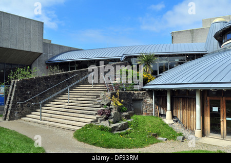The Round Studio of Aberystwyth Arts Centre under the blue sky of early autumn - Stock Photo