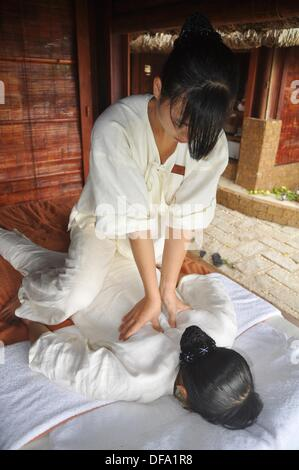 Phu Quoc (Vietnam): massage at the Chen La Resort - Stock Photo