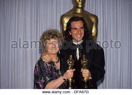 DANIEL DAY LEWIS with Brenda Fricker at Oscar Academy Awards 1990.f9653.(Credit Image: © Ralph Dominguez/Globe Photos/ZUMAPRESS.com) - Stock Photo