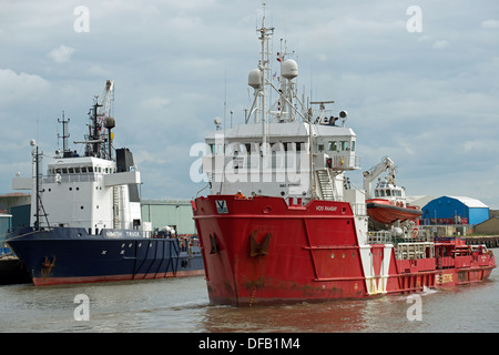 North Sea gas field supply ship 'Vos Raasay', river Yare, Great Yarmouth, Norfolk, UK. - Stock Photo