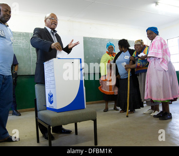 South African President Jacob Zuma votes a station near his Nkandla homestead during Municpal Elections 18 May 2011 - Stock Photo