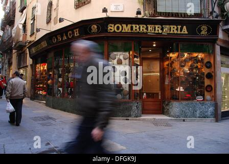 ´Sombrereria Obach´ Carrer del Call  The Call street  The Major Call  Medieval Jewish Quarter, 12th-14th centuries - Stock Photo