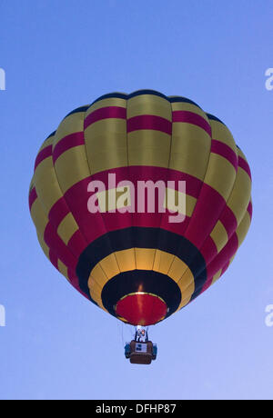 Bristol, UK. 05th Oct, 2013. The 2013 Queens Cup balloon Race. Contestants took off from Queens Square in the center of Bristol England UK, to compete in the prestigious hot air balloon race. Take off was daybreak on Saturday 5th October 2013 Credit:  Mr Standfast/Alamy Live News