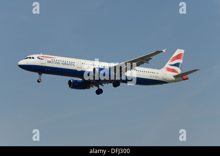 British Airways Airbus A321-200 on final approach - Stock Photo